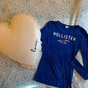 🆕 Blue, long sleeved, Hollister top